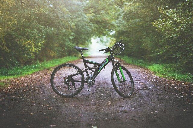 how to learn to ride a hybrid road bike