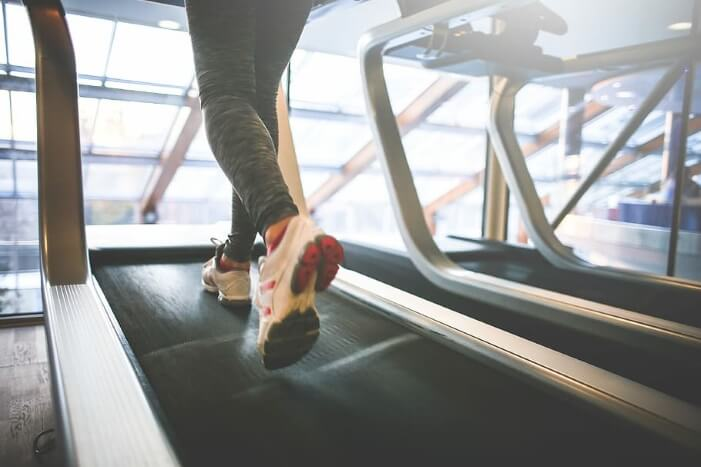 why do i run slower on a treadmill
